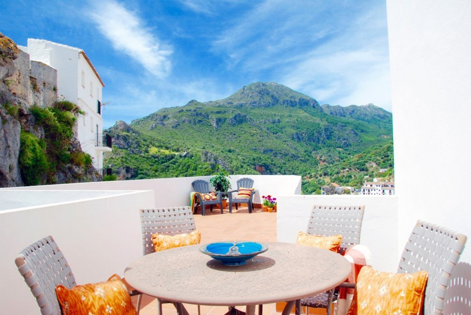 Casares-Village-Apartments-Penthouse-Terrace-1