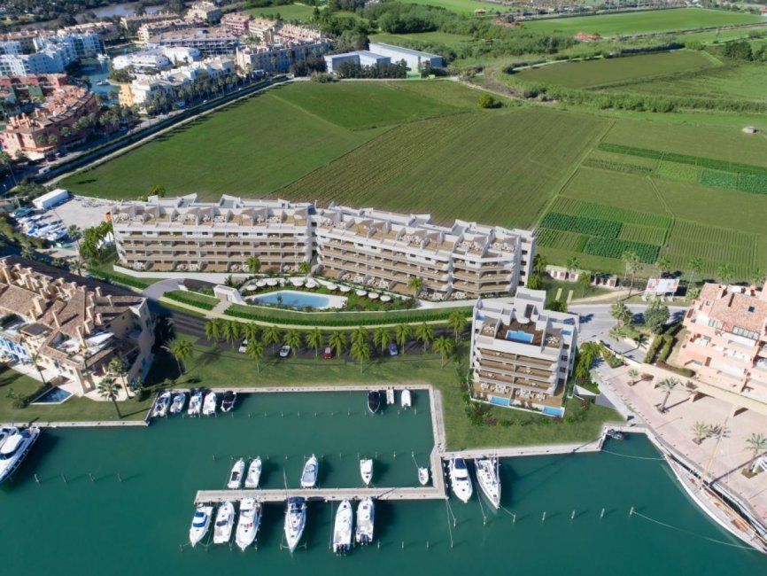 A3_Pier_apartments_Sotogrande_aerial